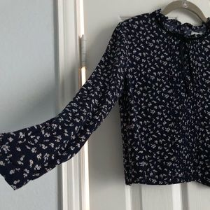 NEVER WORN FOREVER 21 Floral Blouse